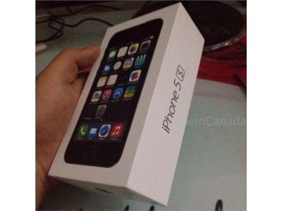 SELLING  BRAND NEW FACTORY UNLOCKED APPLE IPHONE