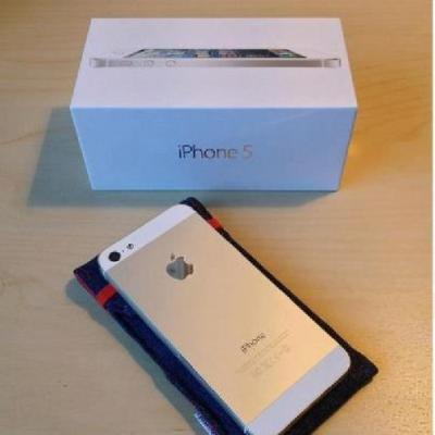 Apple iPhone 5 16GB ===== $300USD
